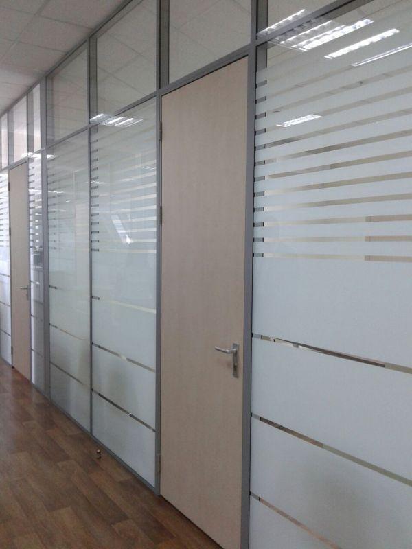 Производство и монтаж офисных перегородок и дверей